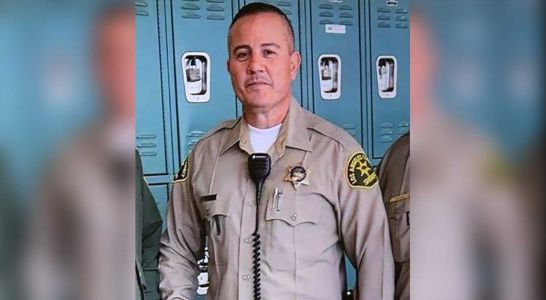 Sheriff's deputy shot inside California fast food restaurant dies from gunshot wound