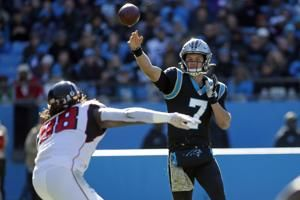 Panthers' Rivera will stick with struggling young QB Allen