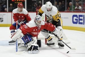 Capitals snap skid, beat Penguins to vault into first place