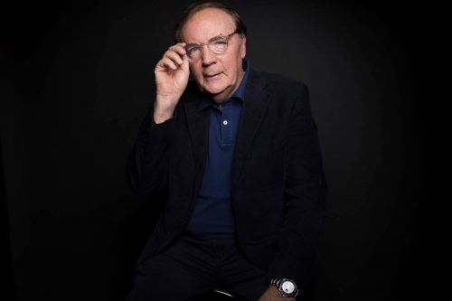 Hundreds of booksellers get $500 holiday bonus from James Patterson