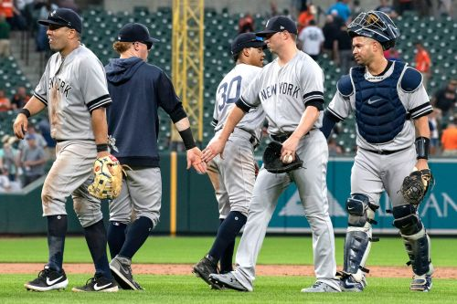 Yankees keep finding new ways to rack up victories