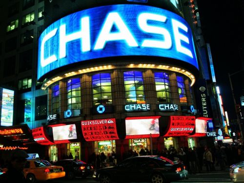 Customers report difficulty accessing Chase Bank's mobile and online banking