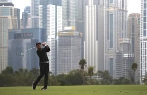 Pepperell regains form, leads after 2 rounds in Dubai