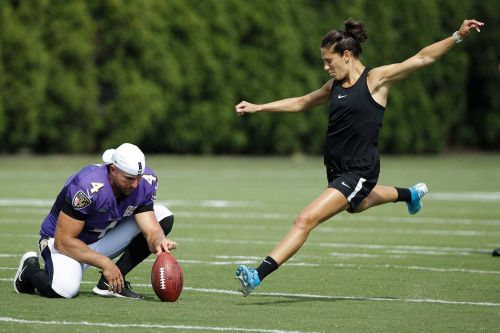 Football teams have reached out to Carli Lloyd after 55-yard field goal