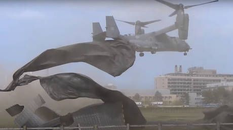WATCH US military helicopter DESTROY landing pad during drill at UK hospital, forcing facility to divert emergency air lifts