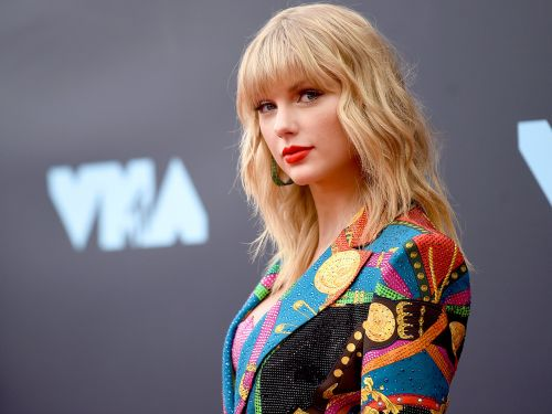 Big Machine Records denies it prevented Taylor Swift from performing her old music. Now, Swift's team has released an email that appears to corroborate her story