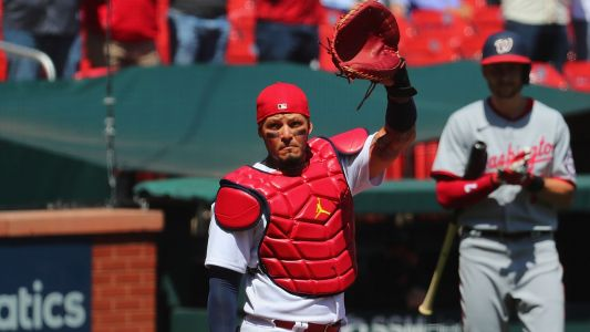 Yadier Molina enters MLB record books with 2,000th game caught with Cardinals