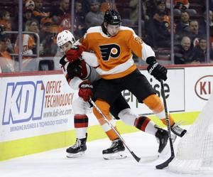 Kinkaid makes 29 saves, Devils beat Flyers 3-0
