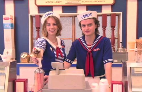 New 'Stranger Things' teaser features an '80s staple: The mall food court