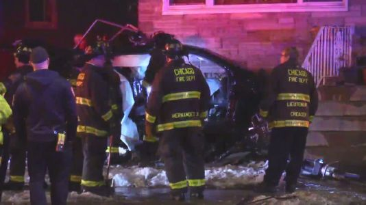 Driver in critical condition after SUV crashes into Jefferson Park home