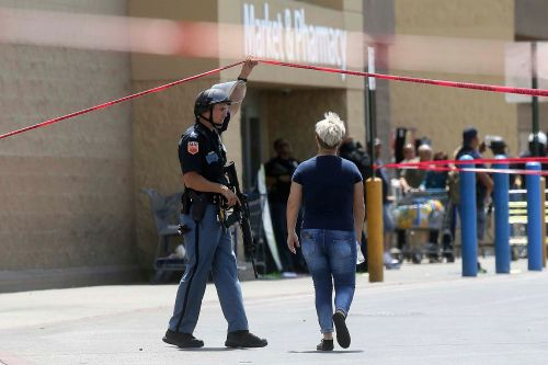 Walmart hires off-duty cops ahead of El Paso store reopening