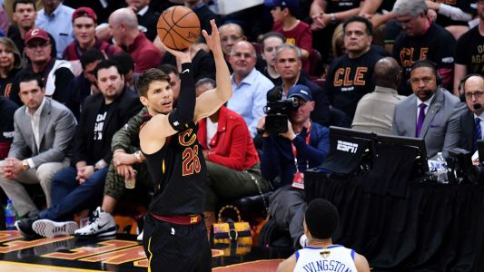 NBA trade rumors: 76ers discussing deal for Cavs' Kyle Korver