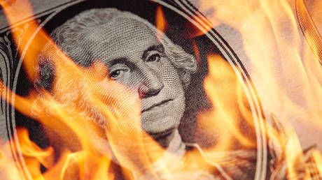 DOLLAR WILL CRASH IN 2021, US should brace for double-dip recession, economist warns