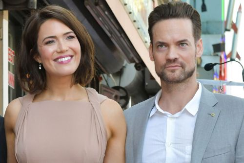 Shane West and Mandy Moore recreate 'A Walk to Remember' poster