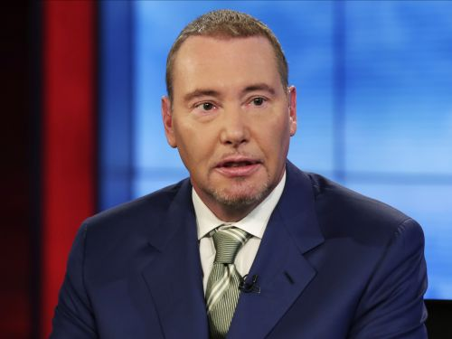 'You could have a massive profit over the short term': Billionaire Bond King Jeff Gundlach shares a surprising strategy for taking advantage of an interest rate increase