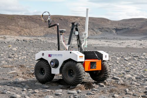 Robots Explore 'Mars-Like' Lava Field in Iceland as Prep for NASA's Mars 2020 Rover