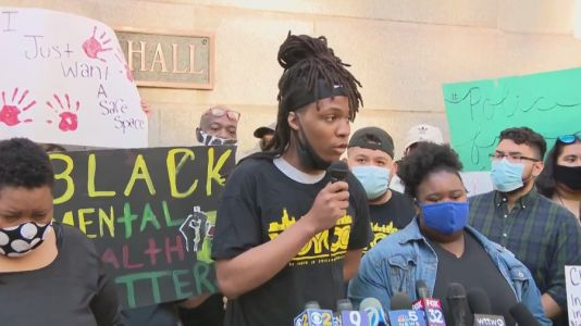 Rising teen activist killed in shooting in West Rogers Park