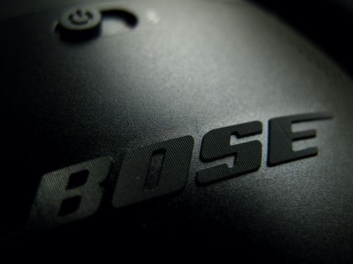 Bose is shutting down all of its US stores as retail makes a 'dramatic shift to online shopping'