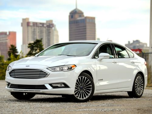 Ford dropping all but 2 cars from its North American dealerships