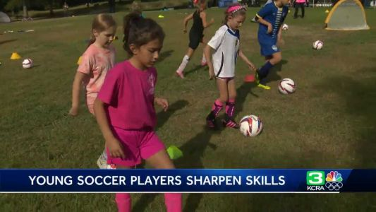 Pros volunteer at free soccer clinic in Sacramento