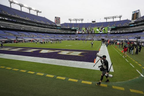 COVID-19 causes Ravens to close facility ahead of Thanksgiving showdown