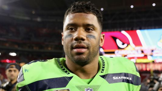 Seahawks' Russell Wilson buys offensive linemen $12K each in Amazon stock