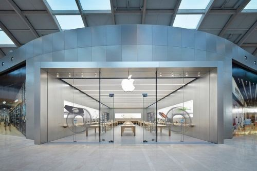 Apple is reopening the last five Italian Apple Stores tomorrow