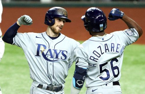 Brandon Lowe belts 2 homers as Rays win Game 2 of World Series