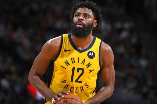 NBA player Tyreke Evans banned 2 years for violating league's drug policy