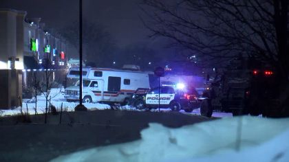 Man In RV, Police In Standoff Near Maplewood Mall