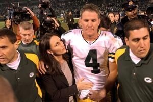 NFL at 100: Favre flawless vs. Raiders after dad's death
