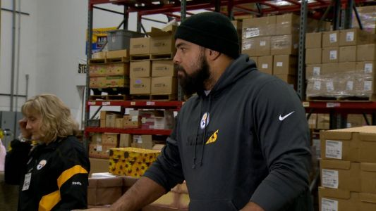 'It just makes you feel good:' Pittsburgh Steelers help Pittsburghers receive meals for Thanksgiving