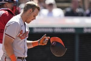 Indians send Orioles to 19th straight road loss, 10-3