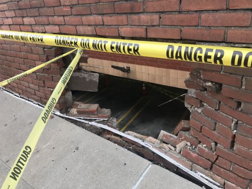 Woman Smashes Vehicle into Squirrel Hill Retaining Wall, Drives Away