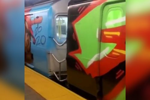 Video shows MTA subway train fully covered in graffiti