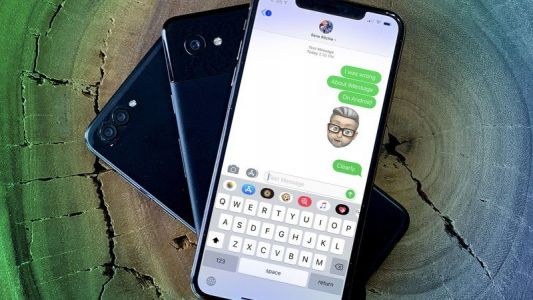 Samsung devises truly strange way to troll the iMessage blue bubbles