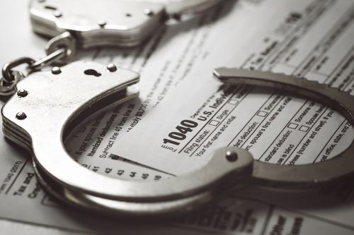 I haven't paid income taxes since 1994 - and the IRS won't send me to prison