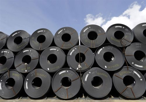 U.S. poised to lift steel, aluminum tariffs on Canada, Mexico