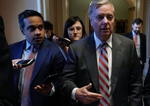 Graham urges Trump to reopen government for 3 weeks; endorses national emergency consideration