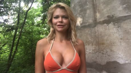 Fired Ukrainian deputy minister puts on bikini & announces own party to fight 'male political prostitutes' in power