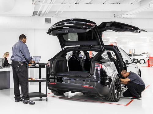 Tesla is addressing one of its customers' biggest complaints by starting to do collision repairs through its service centers and mobile service fleet