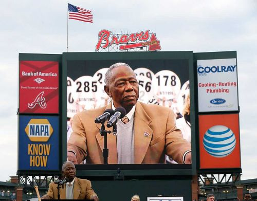 Reports: Baseball legend Hank Aaron dies at 86