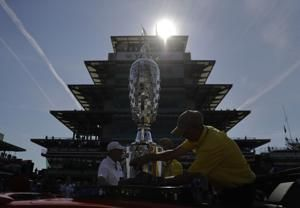 Near record heat causes trouble for Indy 500 drivers, fans