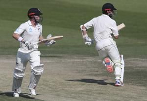 Williamson and Nicholls grow NZ lead to 125 runs in 3rd test