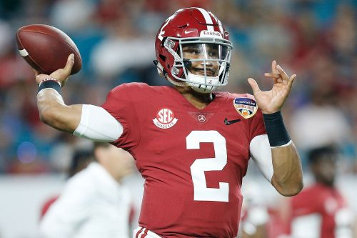 Jalen Hurts transfers to Oklahoma with a shot to take down Alabama