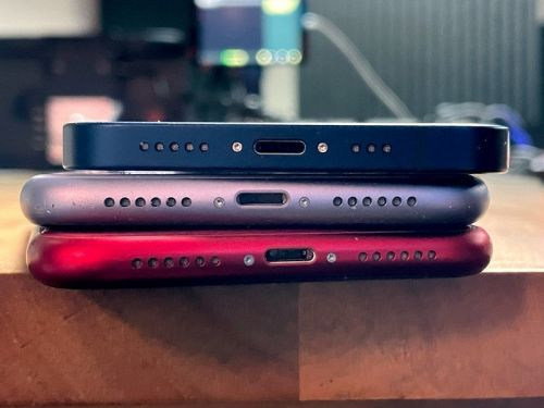 Could MacBook-like MagSafe be the answer to the portless iPhone?