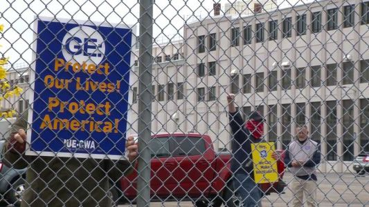 GE employees picket for more safety protections amid coronavirus pandemic