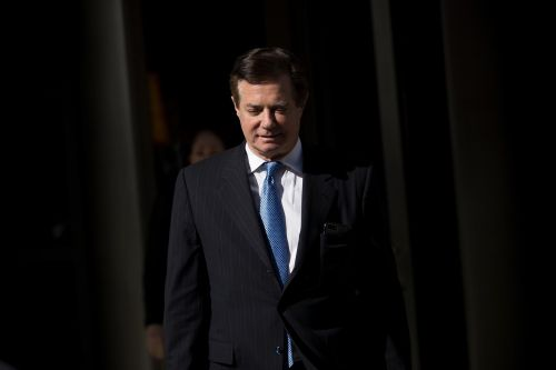 The Latest: Prosecutors file new Manafort charging documents