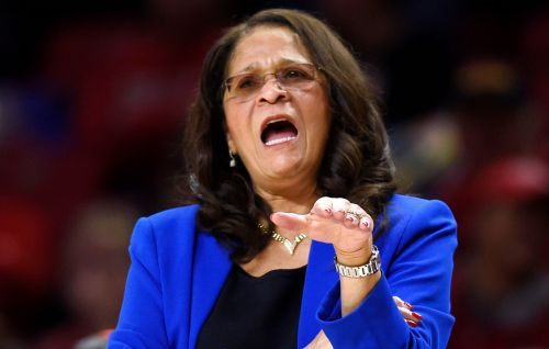 C. Vivian Stringer gets five-year extension to stay at Rutgers