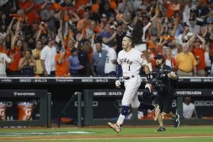 Correa's HR in 11th sends Astros past Yankees 3-2